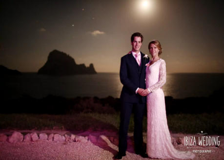 Pic: Villa Anam Cara - Bride & Groom - Es Vedra in background